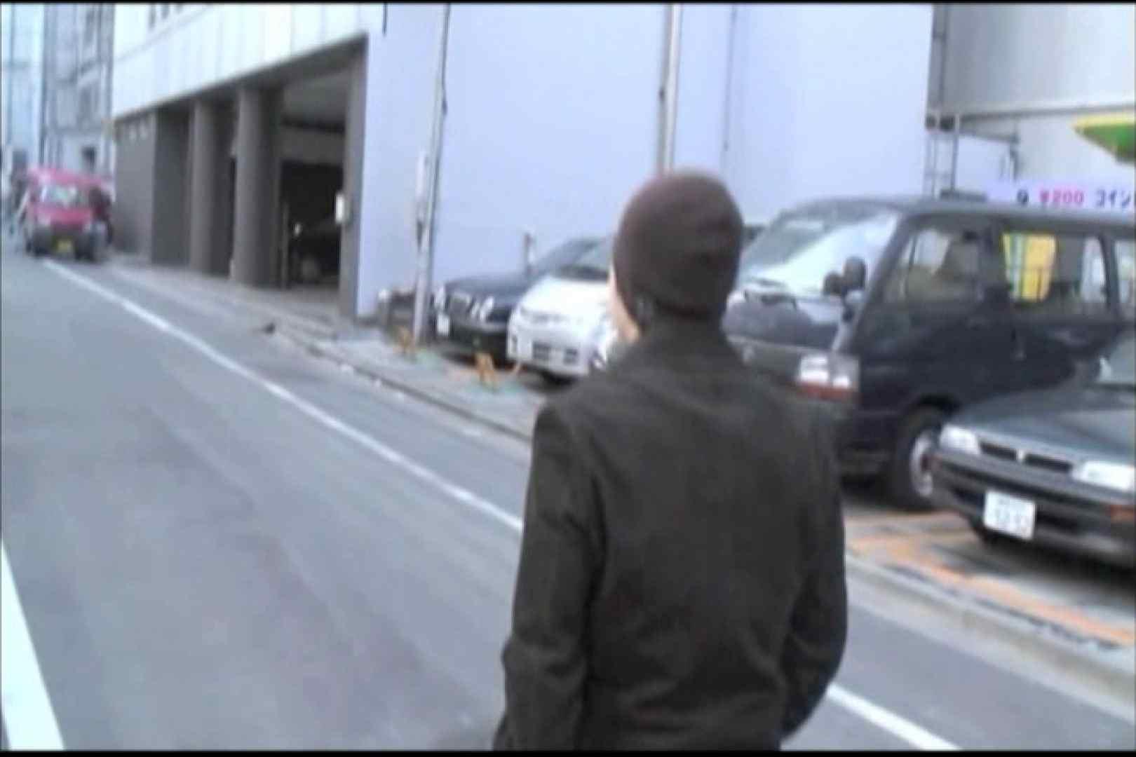 ジムで筋トレ後の自慰行為。 スジ筋系マッチョマン ゲイ無料エロ画像 64連発 3