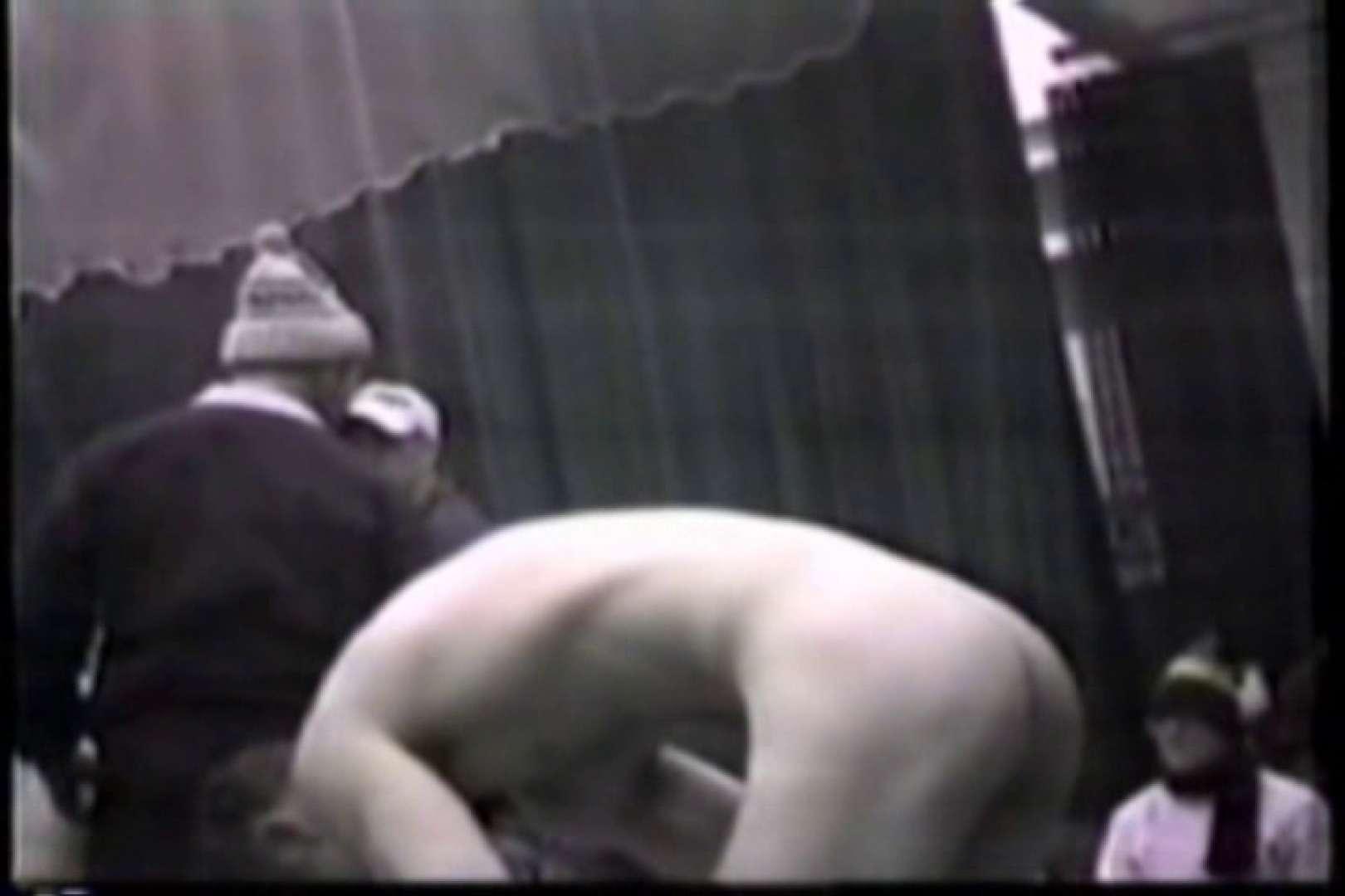 洋人さんの脱衣所を覗いてみました。VOL.6 肉肉しい男たち | 男に首ったけ  22連発 1