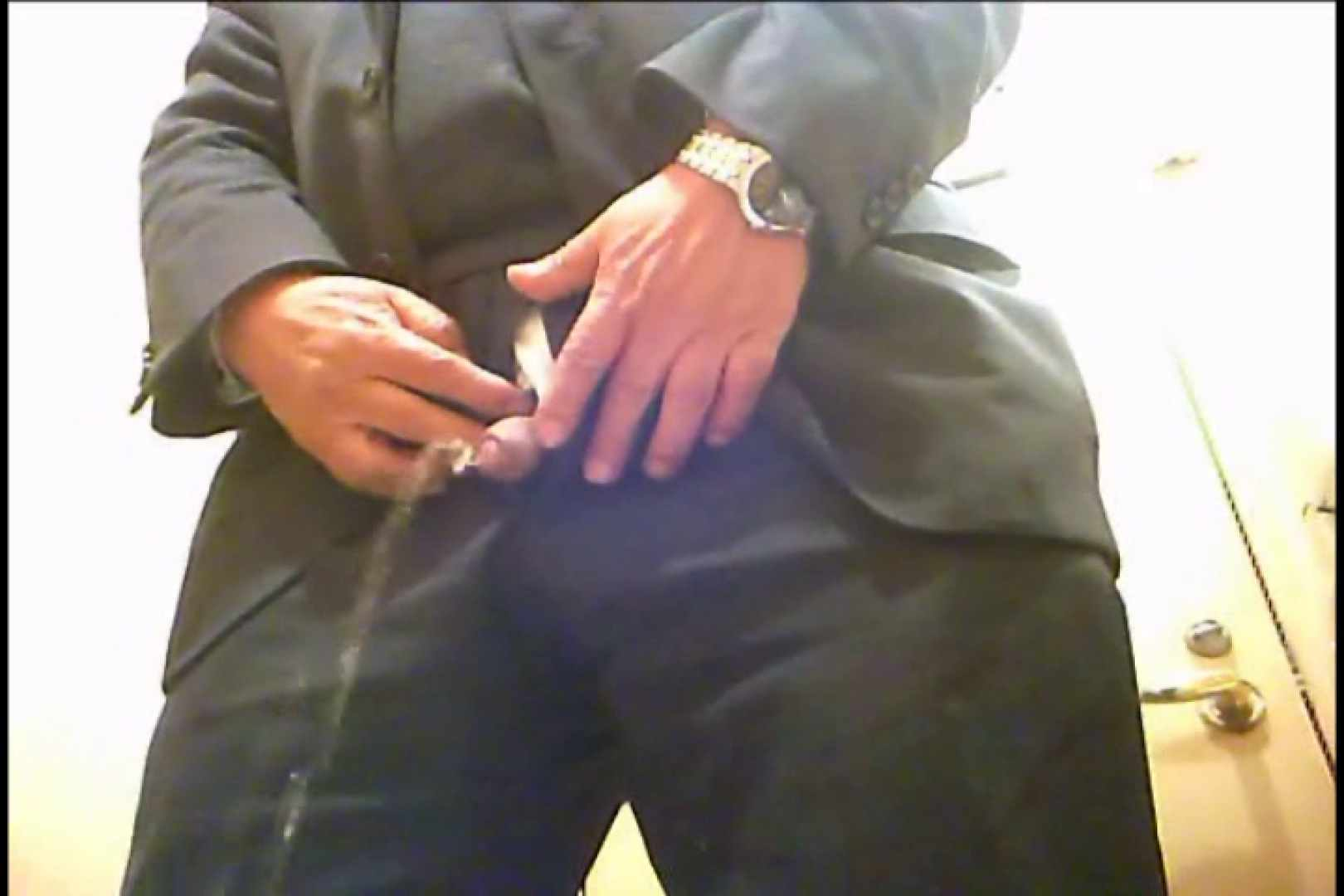 Gボーイ初投稿!掴み取りさんの洗面所覗き!in新幹線!VOL.05 スーツ ゲイモロ見え画像 63連発 15